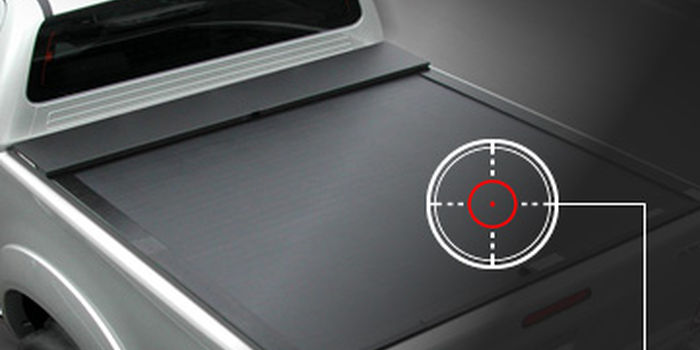 Roll tonneau covers